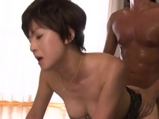 Well done older babe gives XXX blowjob and rides a unstinting pole