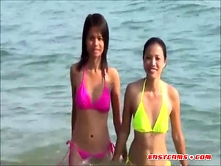 X  Young Thai girls relating to lace-work bikini