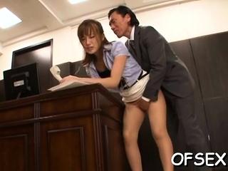 Curvaceous cougar Kokone Mizutani exposes gash be beneficial to fuck