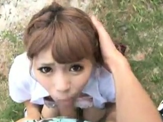 Asian amateur gives open-air blowjob