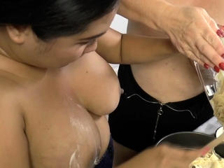 Cake rush covered gran gets pussy toyed
